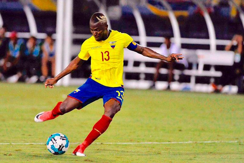 Valencia empató de penal para Ecuador