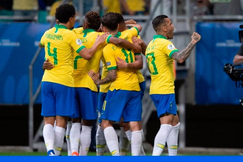 Everton agranda la goleada para Brasil