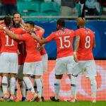 Chile le ganó 2-1 a Ecuador y es líder del grupo C