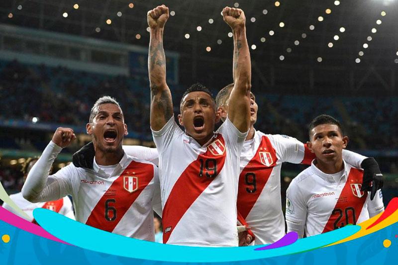 Perú goleó por 3-0 a Chile y es finalista